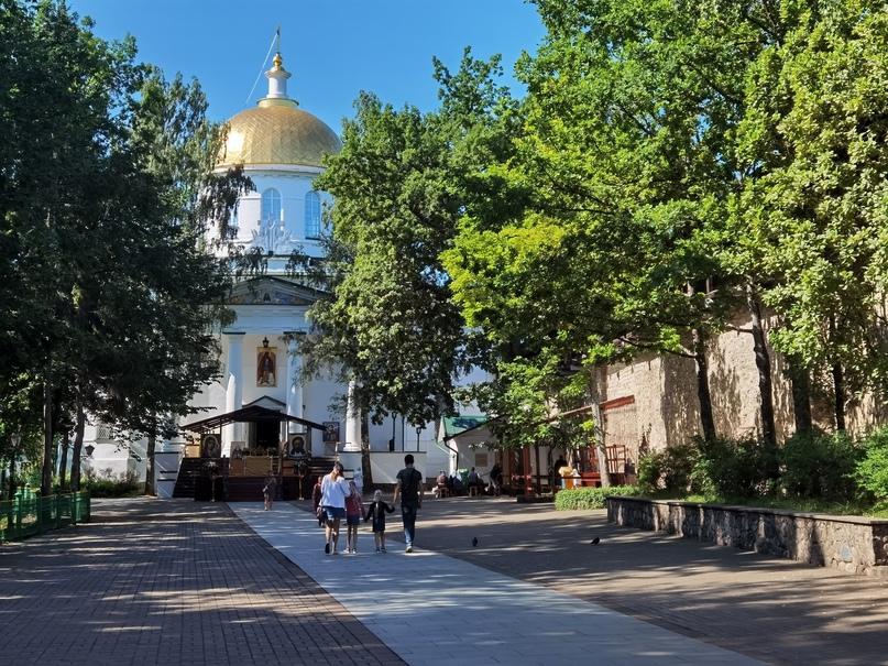Свято-Успенский Псково-Печорский мужской монастырь