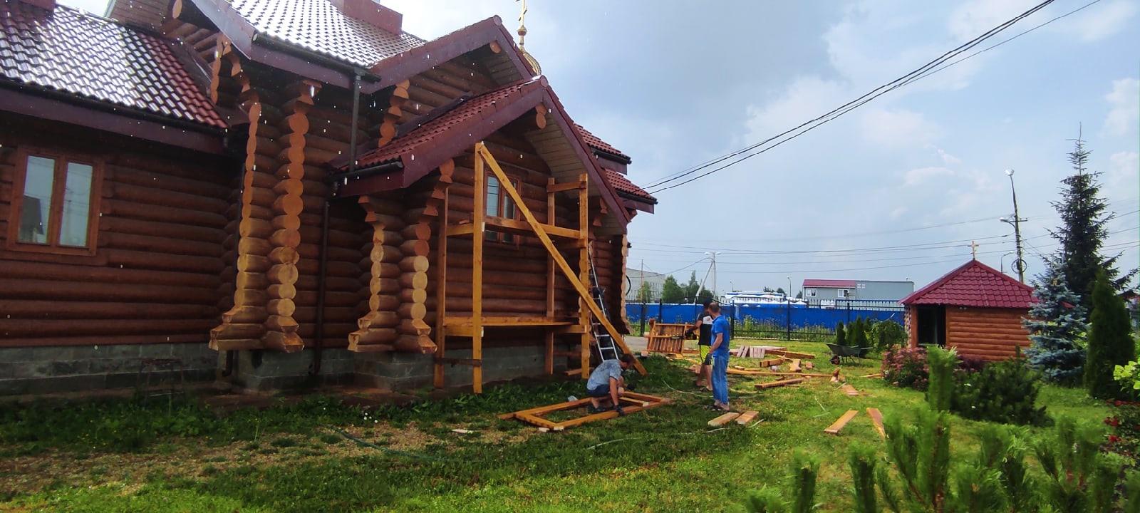 Занятия каркасным строительством.