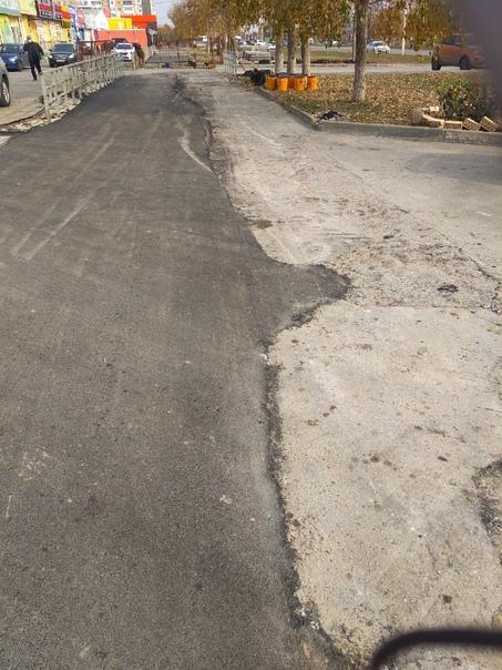 Ремонт теплотрассы на в8. Заасфальтировали тротуар...