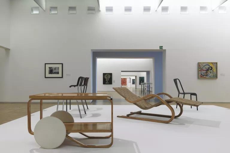 Выставка мебели Алвара Аалто в Центре Помпиду в Париже. Марко Кови