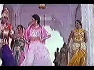 (Ayesha Jhulka, Inder Kumar) Ghoonghat (1997)-Ladki Hai Bholi