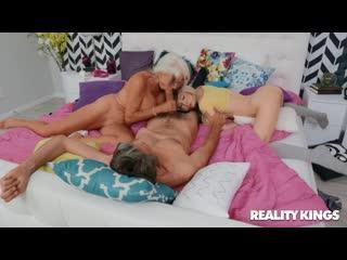 l Humpers / Маленький Трахальщик - Kenzie Reeves, Sally D'Angelo