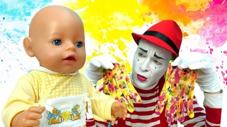 Colorful gloves & a toy washing machine. Baby Born doll videos for kids. Baby dolls & toys.