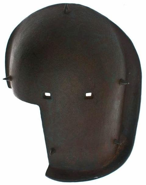 Немецкая стальная маска снайпера, у которой есть вырез на правой стороне, позволяющий стрелку держать винтовку Первая мировая война (19141918).Первая мировая война была богатой и щедрой на