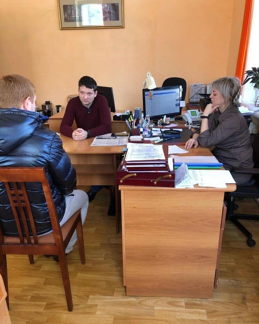 Виновник дорожно-транспортного происшествия пообещал восстановить остановочный павильон в районе стелы на улице Степана Разина