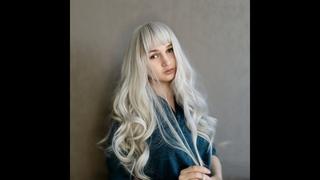 Красивый парик с AliExpress платиновый блонд в холодном оттенке