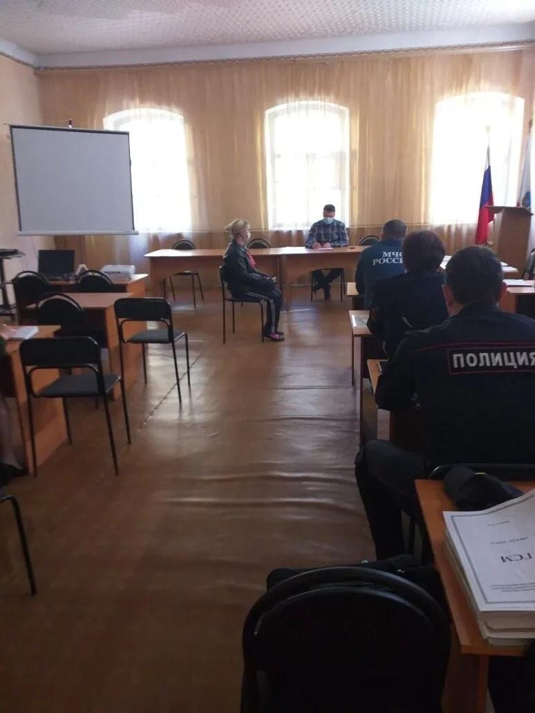 В управлении образования провели заседание комиссии по делам несовершеннолетних