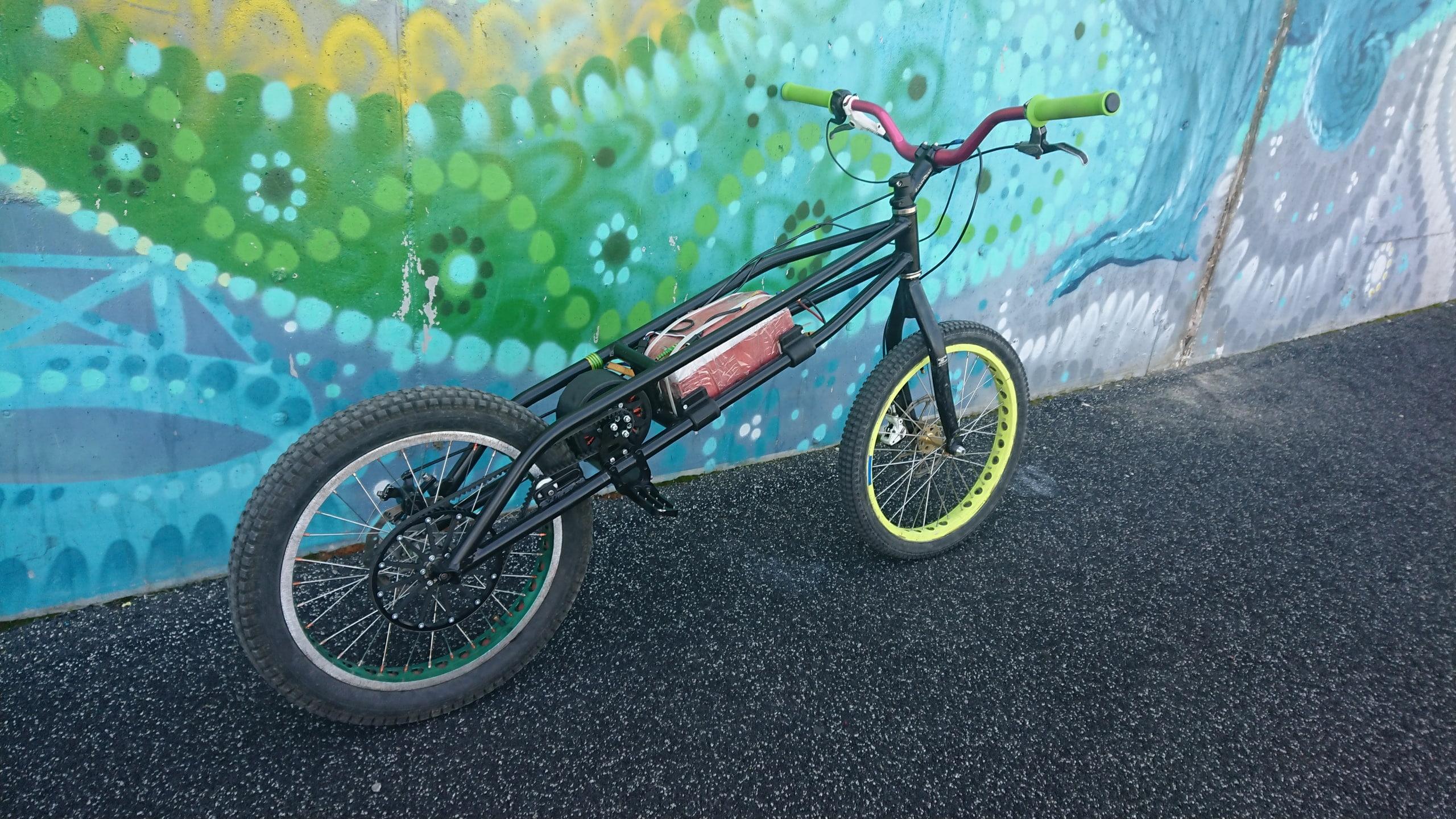 ExcelBike. Городской велоэкстрим, но на электротяге.