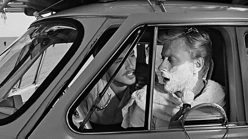 Отрывок из фильма Три плюс два 1963 Женщина милиционер