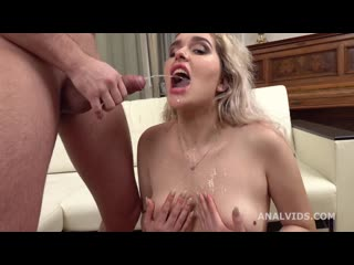 [ / ] Natural Chubby Eva Stone Fucked in the Ass and Pissed with Gapes