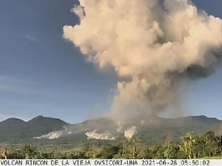 volcan Rincon de la Vieja hace erupción en Guanacaste Costa Rica